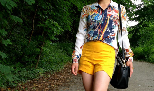 black ,white and yellow outfits