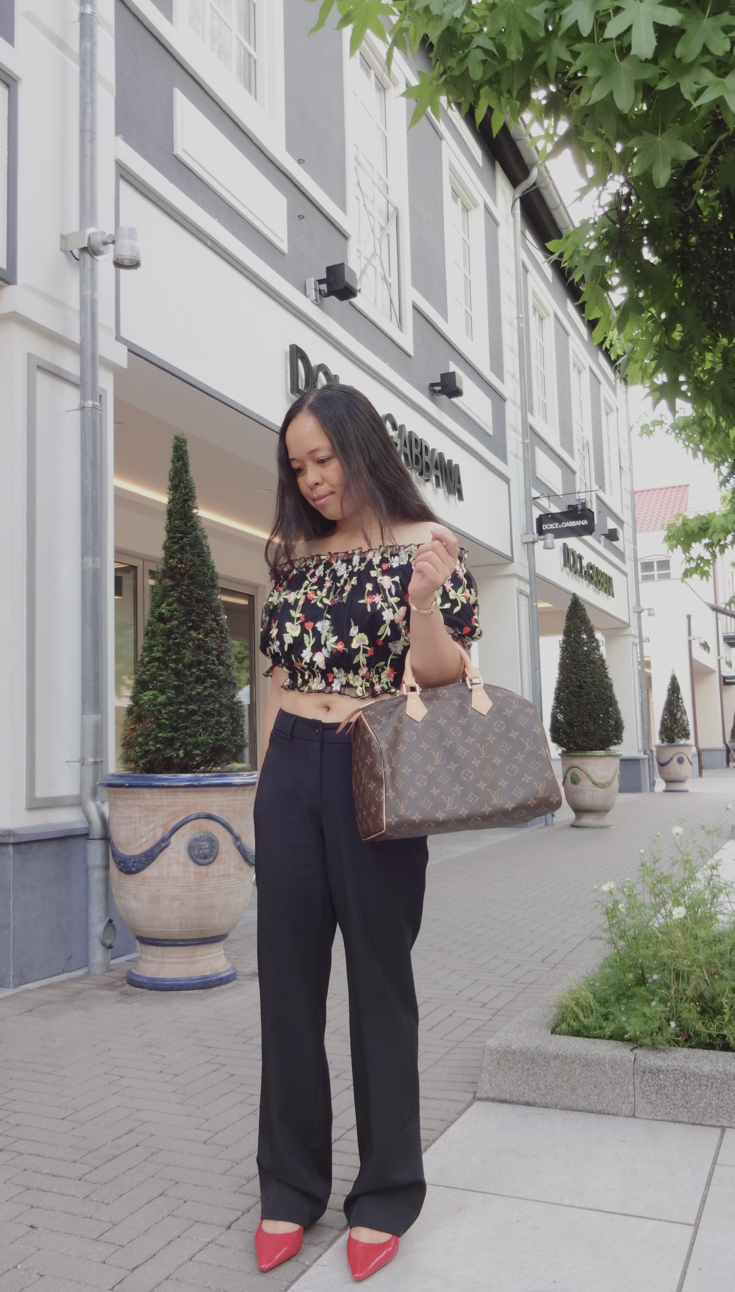 How To Wear: Louis Vuitton Speedy 30 Monogram
